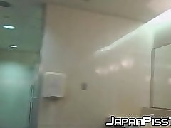 free pissing porn clips
